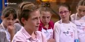 Victor Beltran and his girls team (MasterChef Junior Spain)