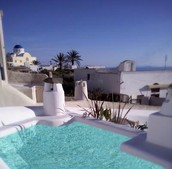 Luxurious traditional villa right in the heart of Fira