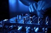 LIVE DJ!!!