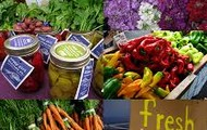 You can get many fresh foods from the farmer's market.