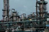 factory smoke polutes air.
