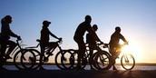 Usa panel solar y montar bicicleta
