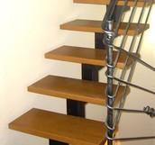 פרי העץ - המומחים בעיצוב ובנייה של מדרגות עץ לבית