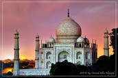This is a Picture of the Taj Mahal at Sunset.