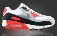 Retro Nike Air maxes
