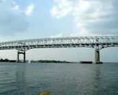Manejen sobre el Puente de Betsy Ross