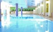 Verwarmd binnenzwembad