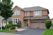 64 Treasure Rd, Vaughan