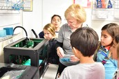 4th Graders Using the 3D Printer