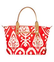 How does she do it- Red Ikat tote