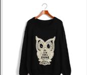 Suéter negro con Owl $27.00