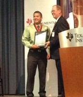 Medrano MS Teacher Wins TI Innovations in Teaching Award