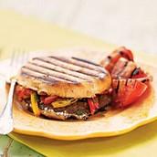 Sandwiches au portobello grillé, poivron, et fromage de chèvre