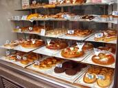 Pasteles en una pastelería