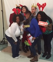 Teachers Enjoyed a fun Photo Booth/ Los Maestros tomaron fotos divertidas
