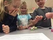 La ola KC students exploring circuits