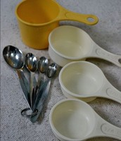 Measuring Cups/Spoons