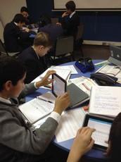 Alumnos de 8vo Básico se preparan con todo para examen Trinity