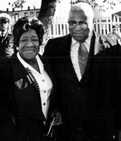 Alberta  Williams King on left and Martin  Luther king Sr. on right