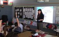 Ms. Ruvelas educating 37 kids on Marine Biology
