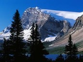 What are the 3 tallest mountains in Canada?