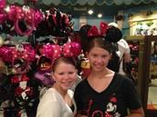 Shopping like  Minnie Mouse
