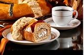 En México, la rosca de reyes se come con un chocolate caliente.