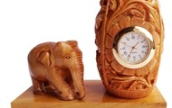 Wooden handicraft pen holder