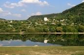 А це село Рашків. Дуже старовине і гарне село