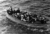 https://upload.wikimedia.org/wikipedia/commons/a/a2/Titanic_lifeboat.jpg