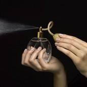¿Es Veneno Su Perfume?