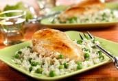 Pollo con guisantes y arroz