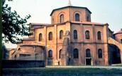 L'exterior de la Església de Sant Vitral de Ravena.