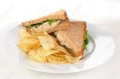 El Sandwich Con Papas Fritas