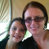 This is her with her mum↑