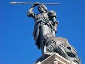 The statue of Maria Pita in the town square in La Coruña