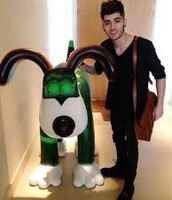 Zayn and his charity sculpture