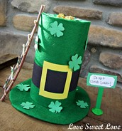 Kindergartners and Lucky Charms For St. Patrick's Day Celebration