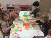 Painting with citrus fruits.