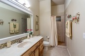 Guest Quarters / Bathroom
