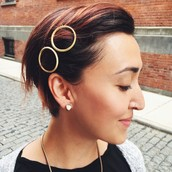 The over-sized circle clip looks great on any length of hair!