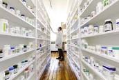 Fui a la farmacia y compré las medicinas.