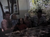 Мамина родина :брат Олександр, мама Марія, та племінники( мій дядько, бабуся, сестри)