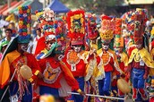 What holidays does Colombia celebrate and how do they celebrate it?
