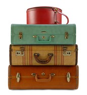 Suitcases/old fashioned trunks