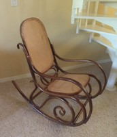Antique rocking chair in mint cond $100