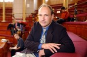 Who is Tim Berners-Lee ?