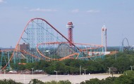 Picture of Six Flags Over Texas in Arlington Texas.