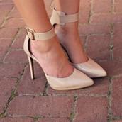 Zapatos Hermosos de Tacon $75 Setenta-cinco dollares