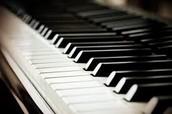 Su activadad favorita es piano.